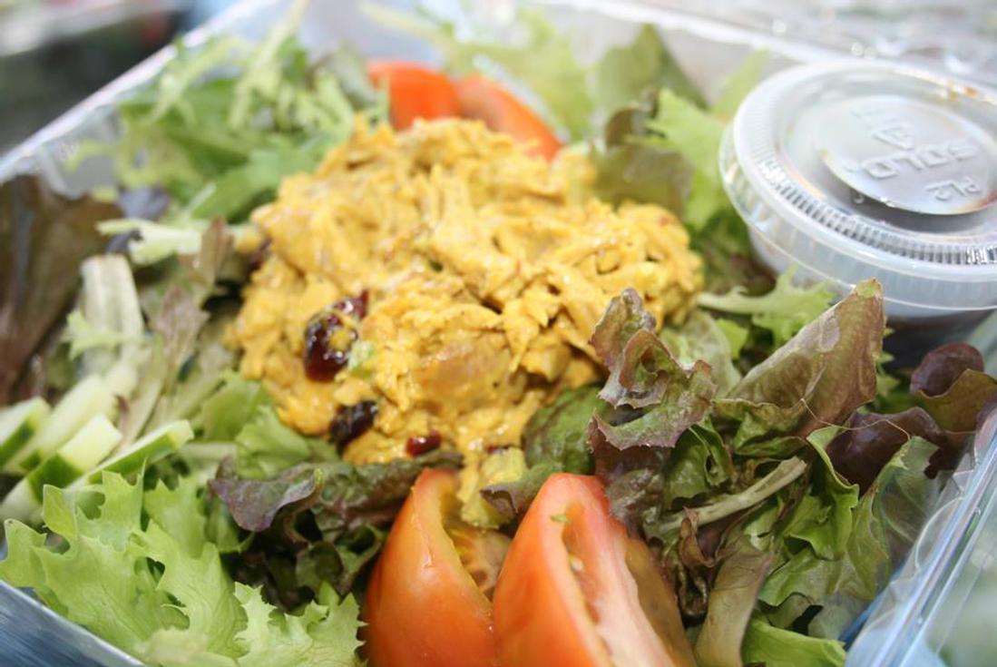 food in nassau