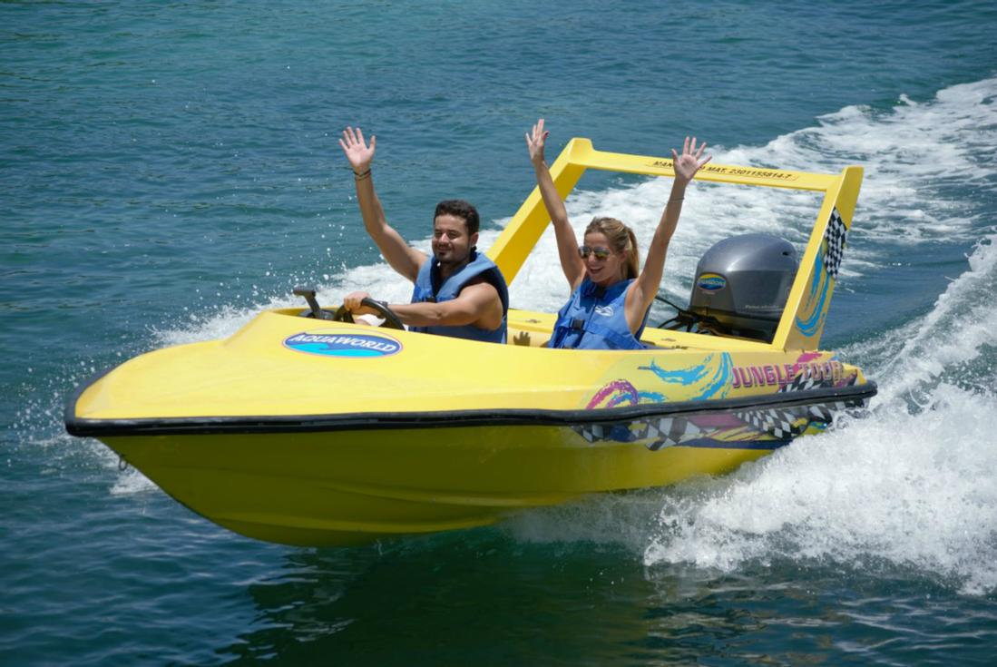 Cancun Speedboat